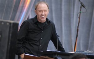080417-Danny Federici-hmed-756p.grid-6x2
